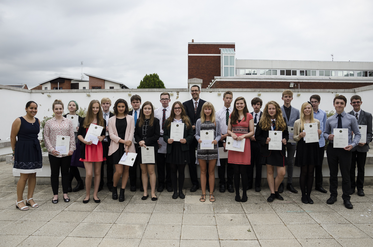 The 2014/15 Portsmouth Ogden Schools Physicist of the Year award winners with Professor Will Percival and Dr Jen Gupta from the ICG. Credit: Dario Scovacricchi - University of Portsmouth